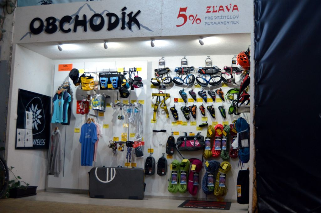 Kaviareň Obchod - Lezecká stena K2 Bratislava